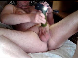 """Vorschaubild vom Privatporno mit dem Titel """"Orgasmus mit Gurke"""""""