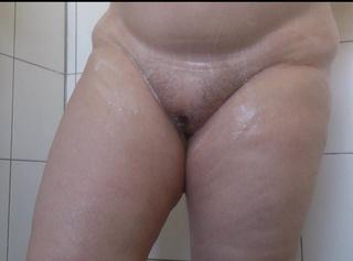 """Vorschaubild vom Privatporno mit dem Titel """"Geiles Einseifen **Dicke Bekannte**"""""""