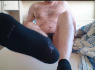 """Vorschaubild vom Privatporno mit dem Titel """"Sneaker Socken im Briefkasten"""""""