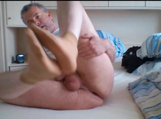 """Vorschaubild vom Privatporno mit dem Titel """"Duftige Feinstrümpfe **Geschenk**"""""""