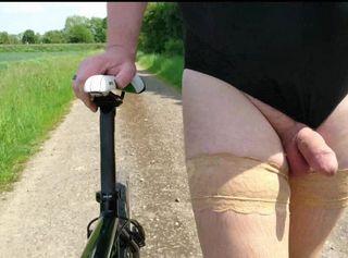 """Vorschaubild vom Privatporno mit dem Titel """"Fahrradfahren im Frivole Outfit ** Badeanzug **"""""""