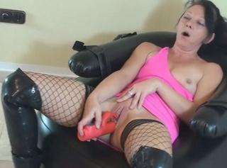 """Vorschaubild vom Privatporno mit dem Titel """"lieblingsvibi auf sexsessel"""""""