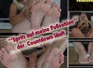 """Vorschaubild vom Privatporno mit dem Titel """"Der Countdown läuft -spritz schön auf meine Fusssohlen"""""""