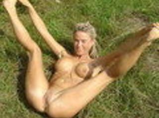 """Vorschaubild vom Privatporno mit dem Titel """"Nackt outdoor"""""""