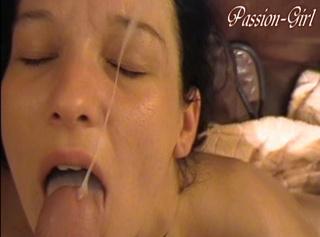 """Vorschaubild vom Privatporno mit dem Titel """"Sofa FaceCumshot"""""""