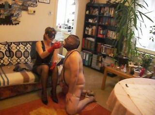 """Vorschaubild vom Privatporno mit dem Titel """"Erziehung meines Ehesklaven Part 1"""""""