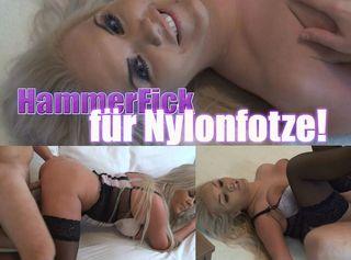 """Vorschaubild vom Privatporno mit dem Titel """"Hammer-Fick für Nylon-Fotze!"""""""