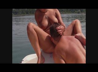 """Vorschaubild vom Privatporno mit dem Titel """"Fotze ausgeleckt aufm Chiemsee(Ton+HD)"""""""