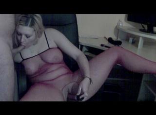 """Vorschaubild vom Privatporno mit dem Titel """"Blowjob mit Dildofick im Catsuit(Ton)"""""""