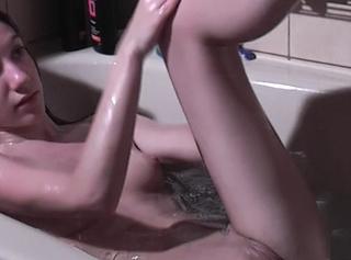 """Vorschaubild vom Privatporno mit dem Titel """"Ich in der Badewanne ^^"""""""
