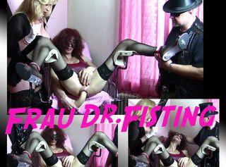 """Vorschaubild vom Privatporno mit dem Titel """"Frau Dr. Fisting"""""""