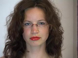 """Vorschaubild vom Privatporno mit dem Titel """"Rote Lippen soll man(n) küssen"""""""