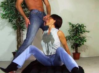 """Vorschaubild vom Privatporno mit dem Titel """"Jeans and Pee"""""""