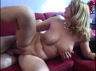 """Vorschaubild vom Privatporno mit dem Titel """"Reife Blondine mit großen Titten"""""""
