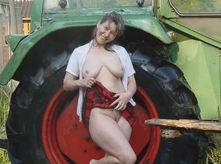 """Vorschaubild vom Privatporno mit dem Titel """"Truck Wash"""""""