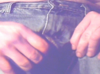 """Vorschaubild vom Privatporno mit dem Titel """"Jeans Hosen pissen ..."""""""