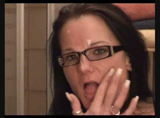 """Vorschaubild vom Privatporno mit dem Titel """"Ins Gesicht und auf die Brille"""""""