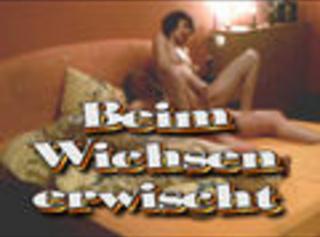 """Vorschaubild vom Privatporno mit dem Titel """"Beim Wichsen erwischt"""""""