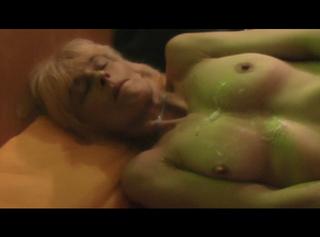 """Vorschaubild vom Privatporno mit dem Titel """"Geil die Titten vollgewichst"""""""