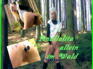"""Vorschaubild vom Privatporno mit dem Titel """"Anallolita allein im Wald..."""""""