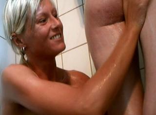 """Vorschaubild vom Privatporno mit dem Titel """"Mit meiner Freundin in der Dusche"""""""