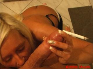 """Vorschaubild vom Privatporno mit dem Titel """"Zigarettenpause mit Stammuser - Smoky Blowjob"""""""