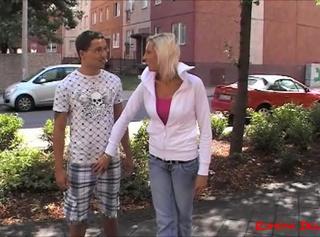 """Vorschaubild vom Privatporno mit dem Titel """"Frechheit siegt !! Angemacht und abgeschleppt..."""""""