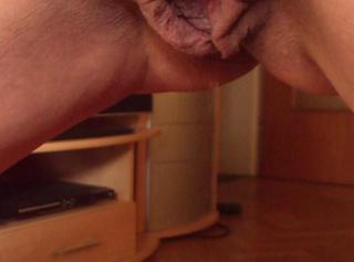 """Vorschaubild vom Privatporno mit dem Titel """"In die Schuhe gepisst"""""""