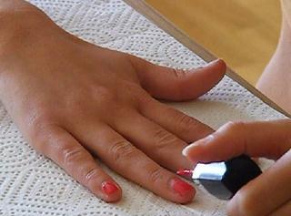 """Vorschaubild vom Privatporno mit dem Titel """"Nägel rot lackiert"""""""