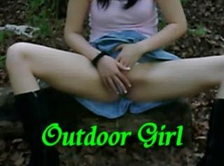 """Vorschaubild vom Privatporno mit dem Titel """"Outdoor Girl"""""""