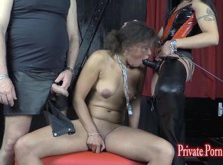 """Vorschaubild vom Privatporno mit dem Titel """"Training der Lady O - Tag 6 mit Louisa, Master & Lady A.J. - Teil 1 von 2"""""""