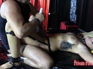 """Vorschaubild vom Privatporno mit dem Titel """"Studentin Aira 24j. beim BDSM Sklaven-Casting - Teil 3 von 3"""""""