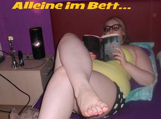 """Vorschaubild vom Privatporno mit dem Titel """"Alleine im Bett"""""""