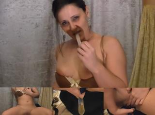 """Vorschaubild vom Privatporno mit dem Titel """"Pissen im Kondom!"""""""