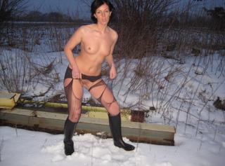 """Vorschaubild vom Privatporno mit dem Titel """"nylonstrumpfosen ripping und pissen in gummireitsiefeln"""""""