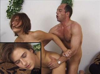 """Vorschaubild vom Privatporno mit dem Titel """"Die Tochter meine Chefs fickt und bläst mich zum Orgasmus"""""""