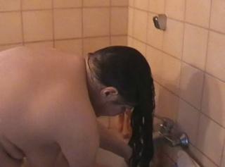 """Vorschaubild vom Privatporno mit dem Titel """"Morgenpflege"""""""