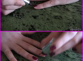 """Vorschaubild vom Privatporno mit dem Titel """"Fingernaegel lackieren"""""""