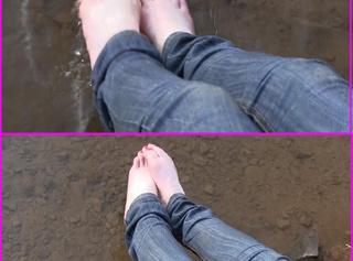 """Vorschaubild vom Privatporno mit dem Titel """"Fuesse Planschen im Wasser"""""""